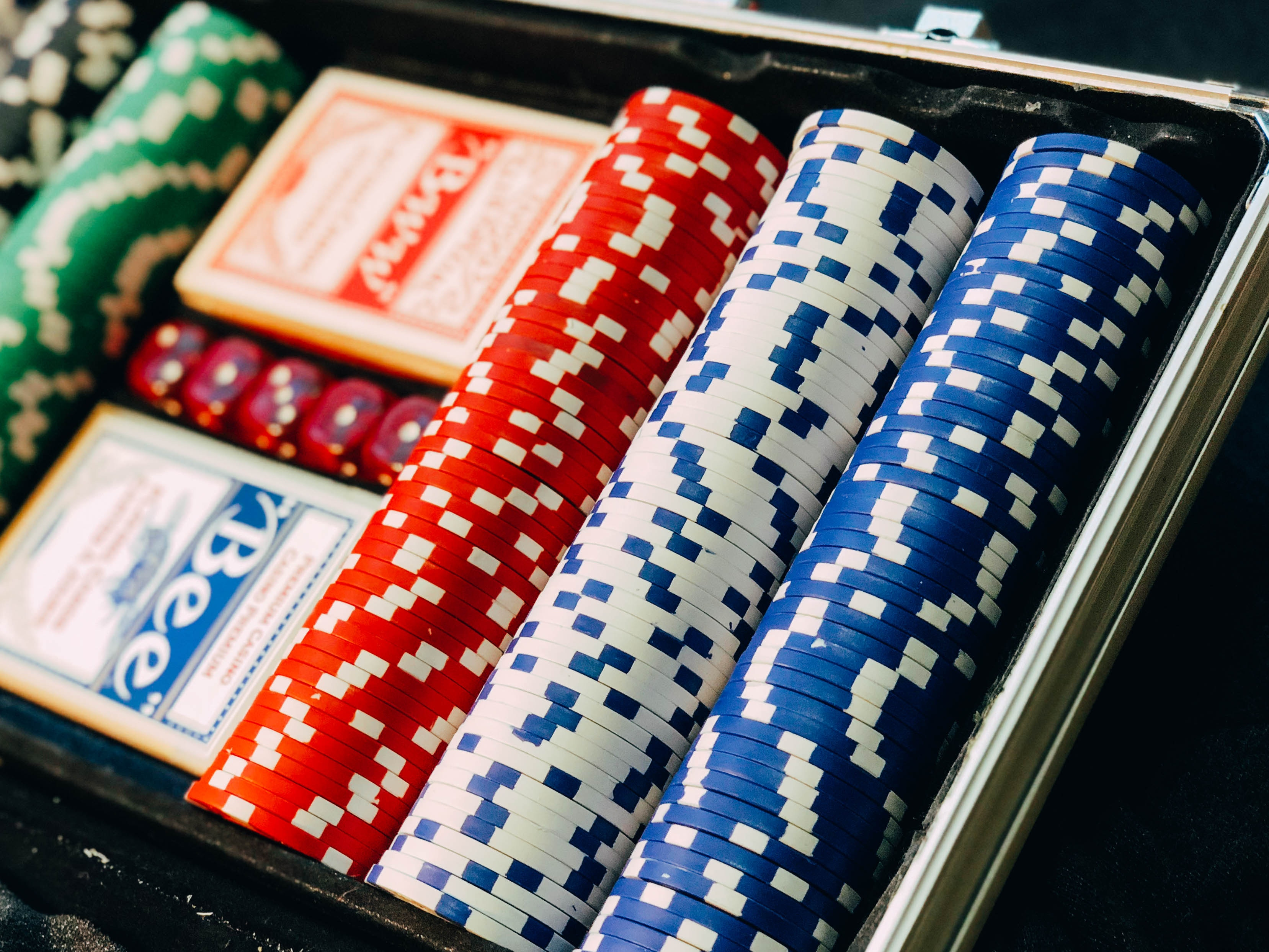 Win Big By Playing At Casino Online With Live Dealer Games