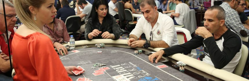The Advantages and disadvantages of Online Poker