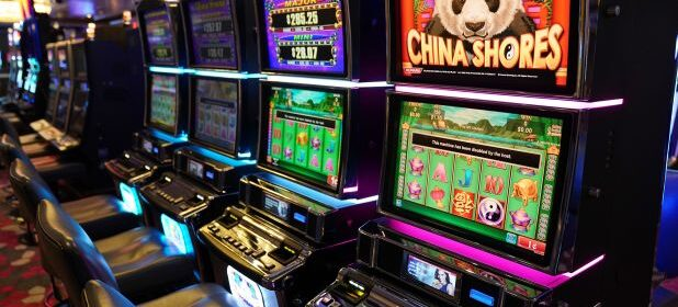 An Expensive However Invaluable Lesson In Online Casino