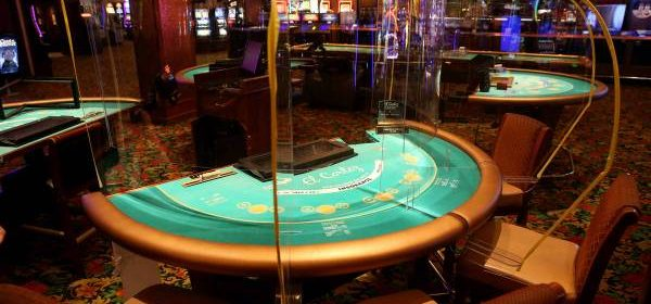 Why Everyone Love Playing Slot Games In The Online Platform?